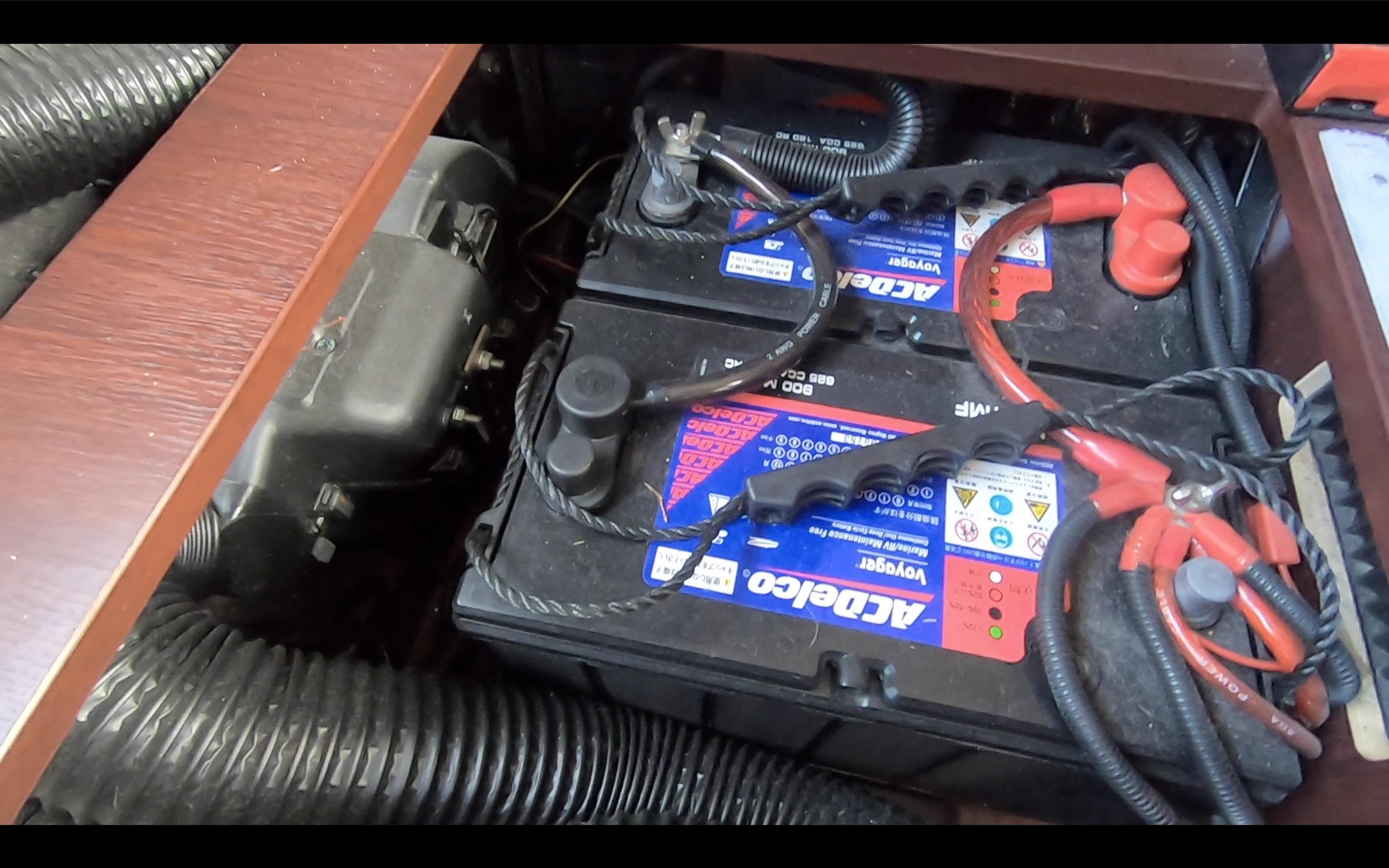 キャンピングカーのサブバッテリー
