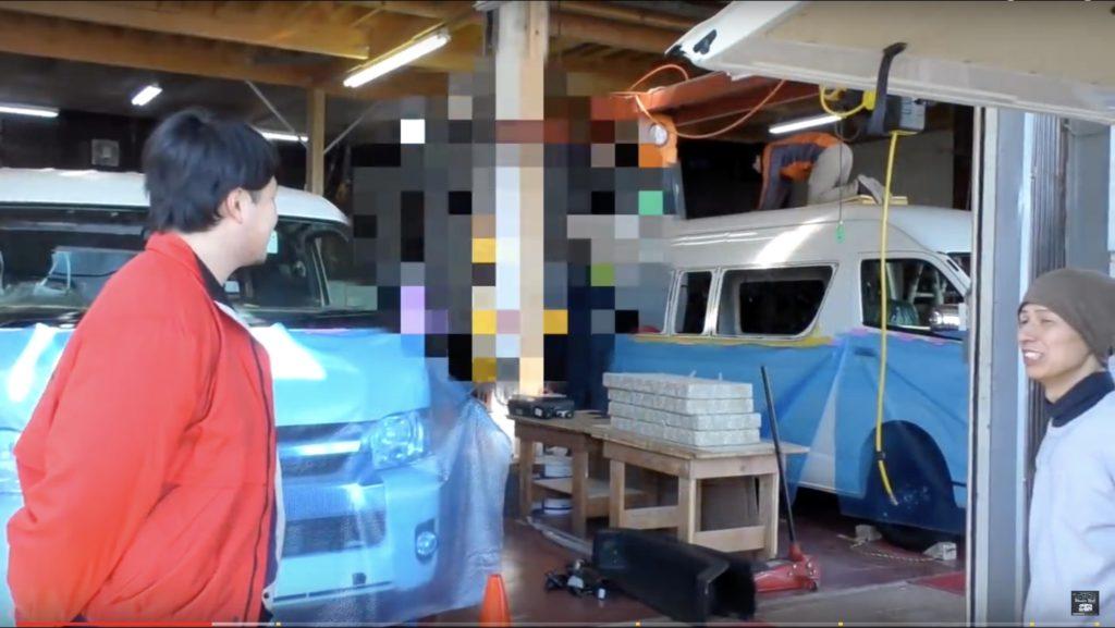キャンピングカーの製作現場を取材してきました。