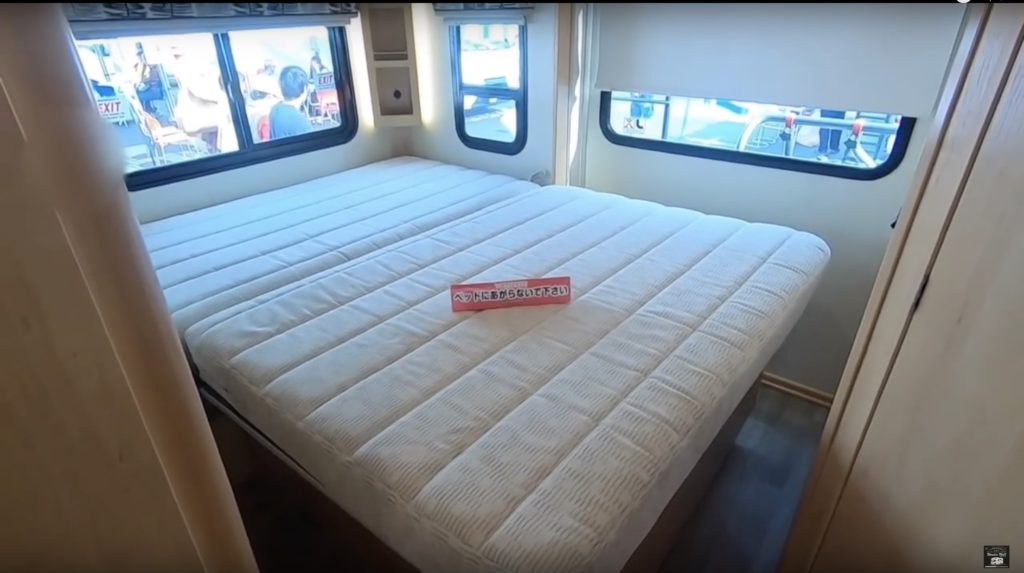 FUSE WF423Tのベッドルーム