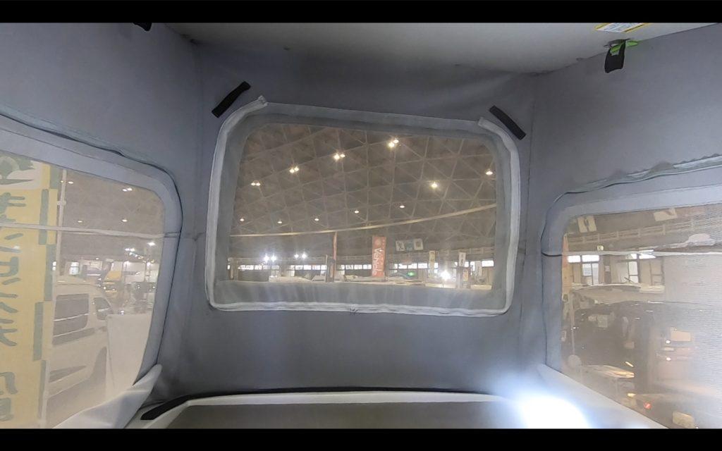 キャンピングカー広島社のカレントキャンパーピコのポップアップルーフ