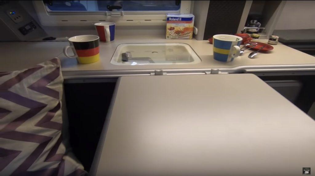 WhiteHouse(ホワイトハウス)社の「COMPASS PRO POP(コンパスプロポップ)」のキッチン