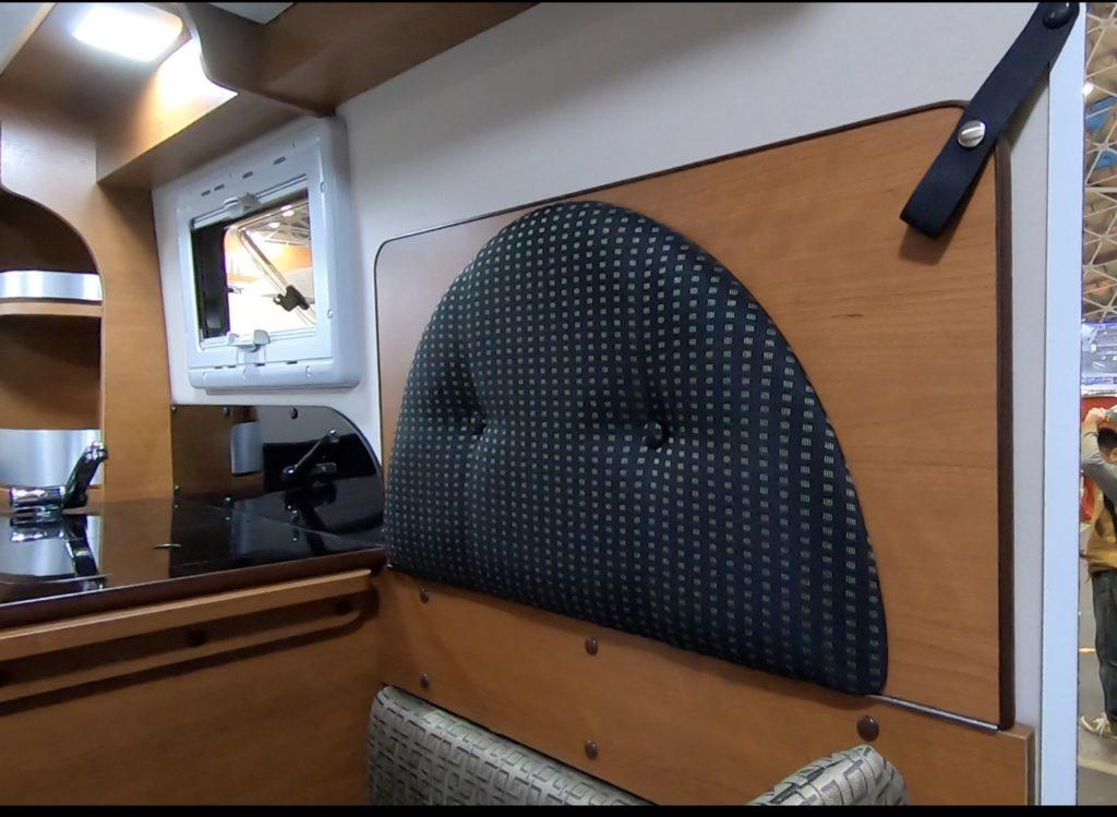 ロータスRV社のMAMBOW EXE(マンボウエグゼ)のキッチン