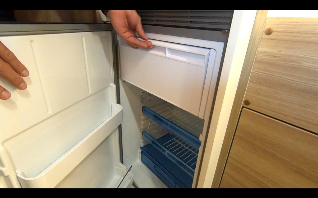 冷蔵庫もこのサイズが標準装備